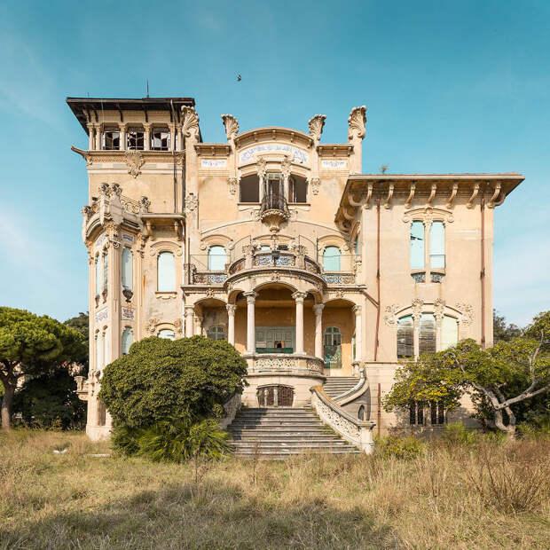 ✨11 очаровательных фото заброшенных дворцов, как в диснеевских мультиках