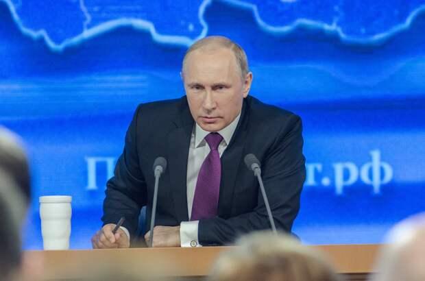 Президент России на год продил санкции против Запада
