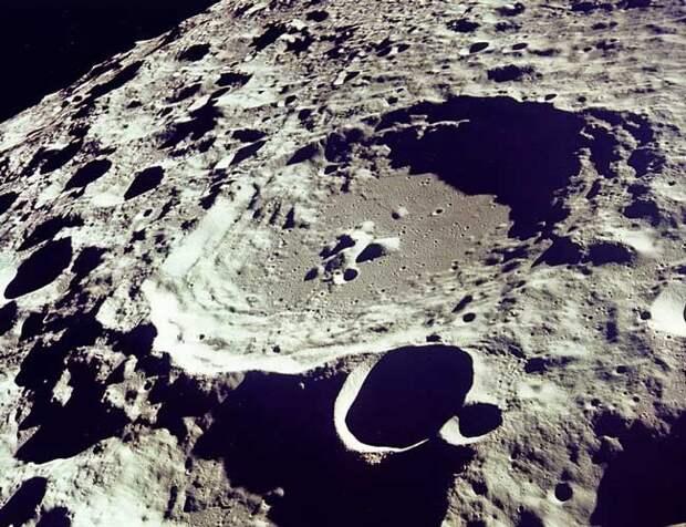 Учёные обнаружили на обратной стороне Луны признаки крупного столкновения