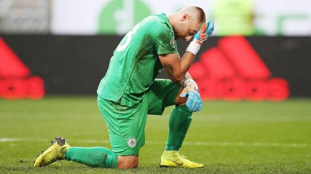 «Спасибо русским, всех обнимаю». Вратарь Сан-Марино— кумирище вРоссии после 0:9