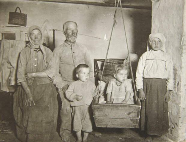Узнал, что в семье русского крестьянина был раздельный бюджет у мужа и жены. Рассказываю, как они всё делили