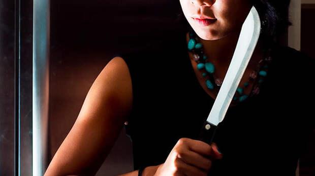 Женщина с ножом ранила пятерых в офисе в Шанхае