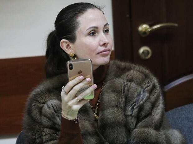 Суд заменил адвокату Лукмановой условный срок на реальный
