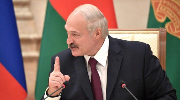 Александр Лукашенко «изменит» внешность силовиков и госслужащих до неузнаваемости