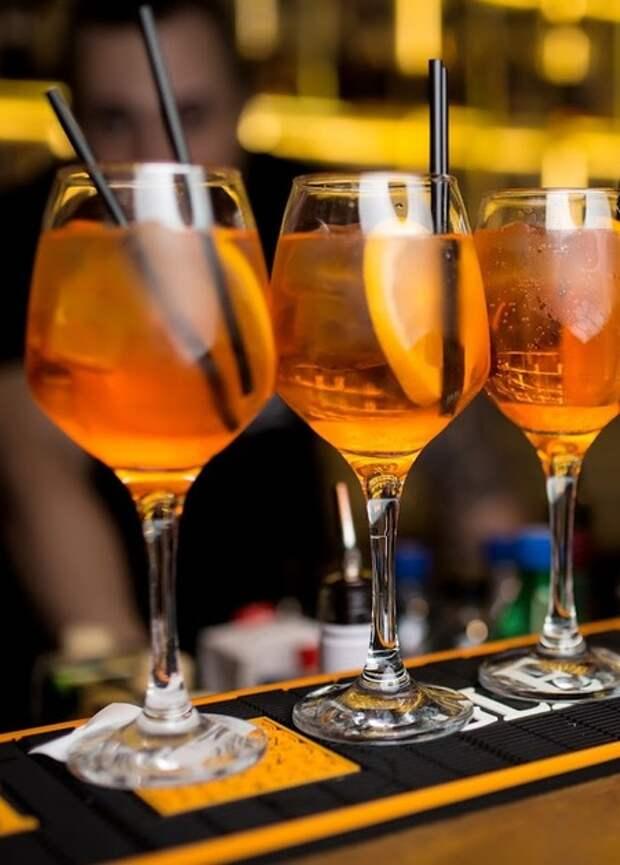 Летняя вечеринка: три рецепта любимых коктейлей Сергея Жукова
