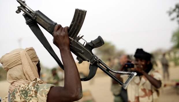 Атаки боевиков на северо-востоке Нигерии вызвали новую волну беженцев