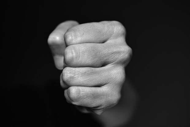 Решивший отомстить житель Удмуртии избил сотрудника ГИБДД