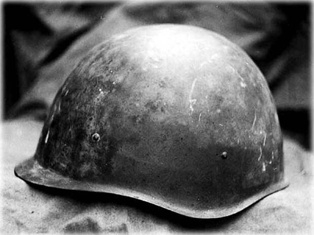 Главный защитный элемент для солдат во время мировых войн. /Фото: ussrvopros.ru