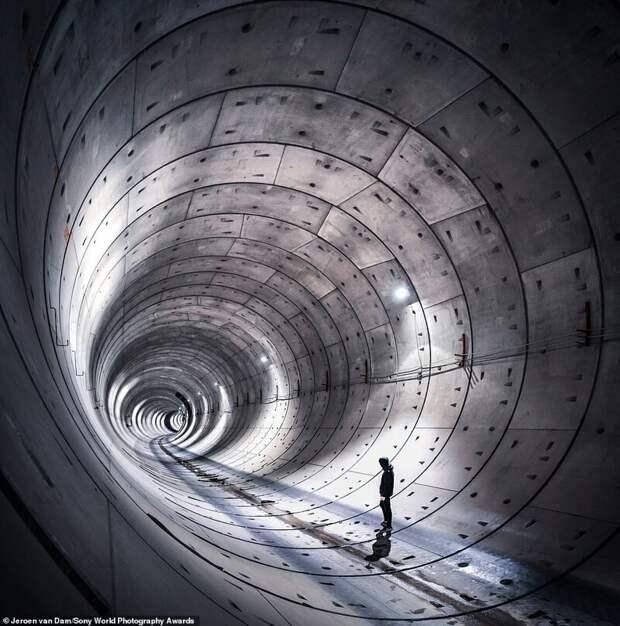 Голландские диггеры в туннелях - Джероен ван Дам, Нидерланды