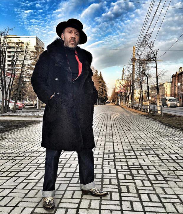 Кто такой Русский Сверхгерой, и почему из ныне живущих на это звание претендует только Сергей Шнуров...