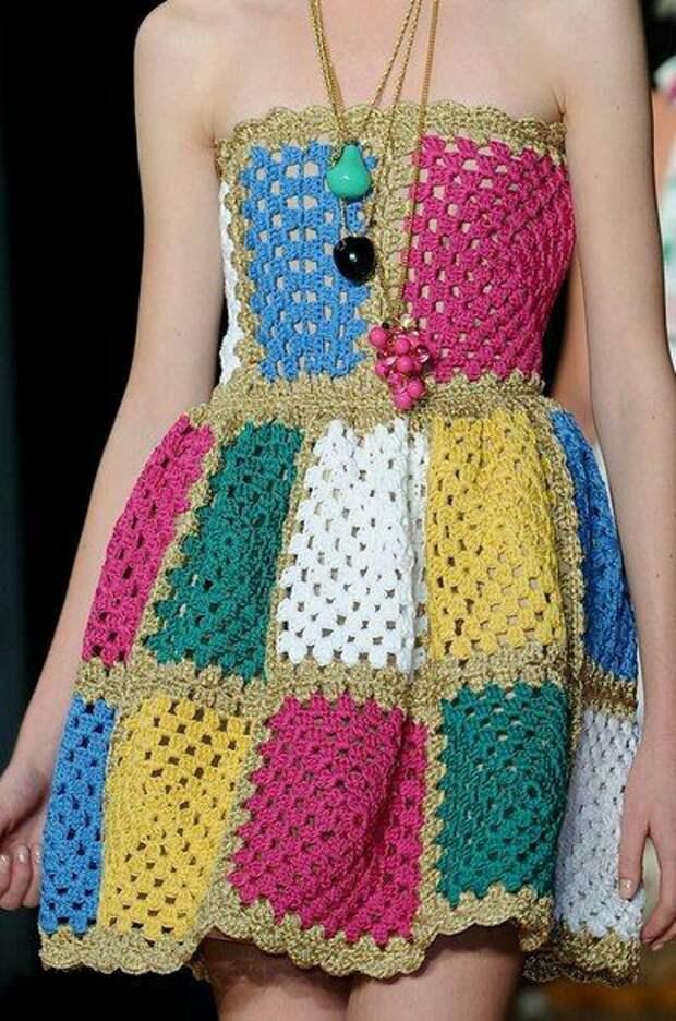 Актуальные платья крючком (подборка)