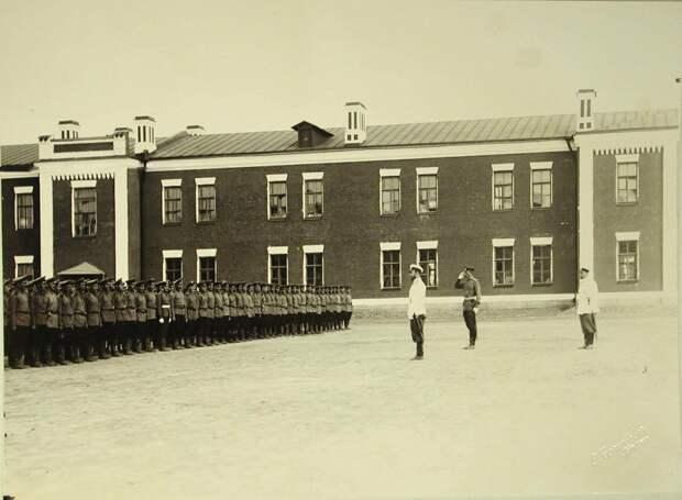 Смотр артиллерийских частей в Гатчине