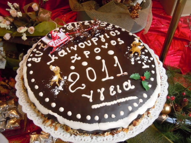 Причудливые новогодние традиции в разных странах-5