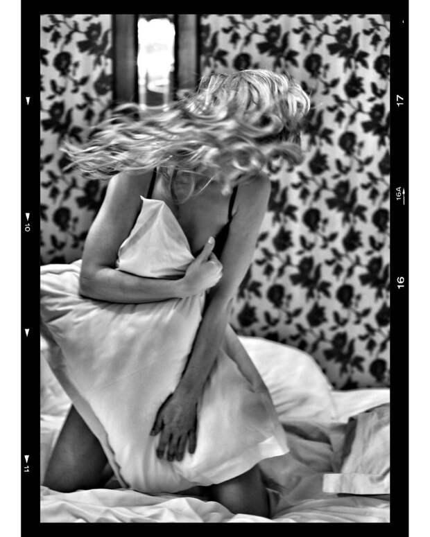 «Обожаю»: Светлана Ходченкова о съёмках постельных сцен