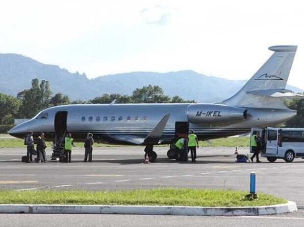 Жена Михаэля Шумахера выставила на продажу его личный самолет