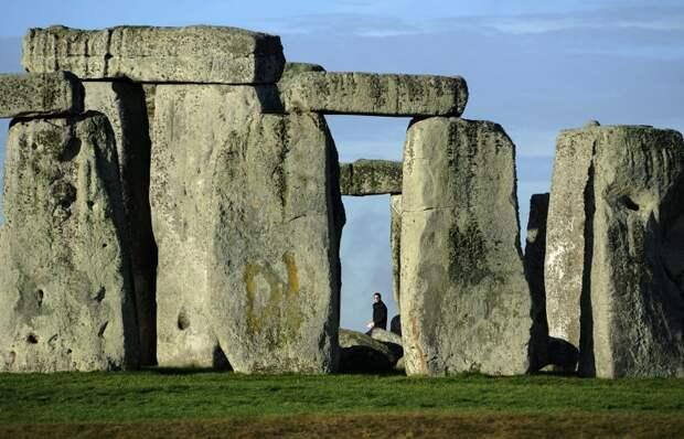 Британские археологи обнаружили рядом со Стоунхенджем 17 ранее не известных сооружений