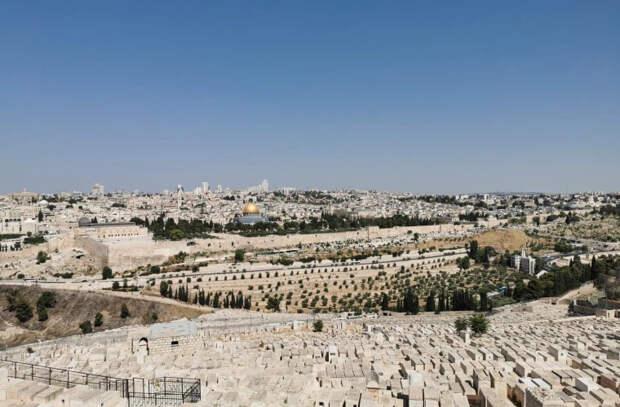 Улицы израильских городов опустели
