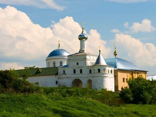 В Тверской области пройдут крестный ход в честь юбилея обретения мощей Макария Калязинского