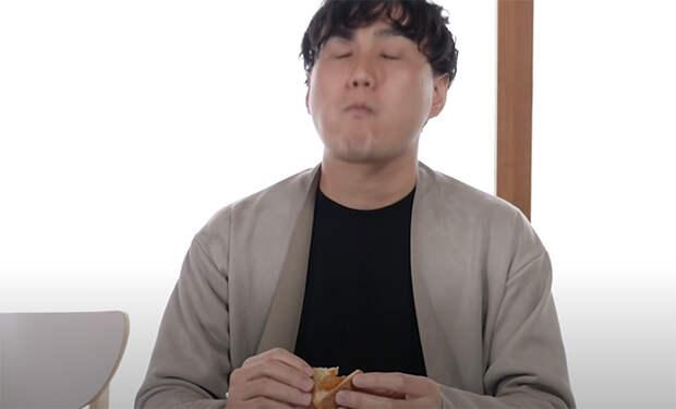 Японцу впервые в жизни дали попробовать русскую еду и сняли реакцию на видео