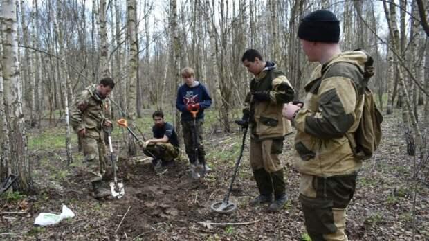 Именные и безымянные солдаты: поисковики заступили на «Вахту Памяти» в Тульской области