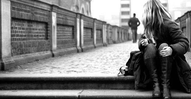 Не пытайся выяснять отношения с людьми, которые тебя разочаровали. Молча оставь их вместе со всем барахлом наедине.