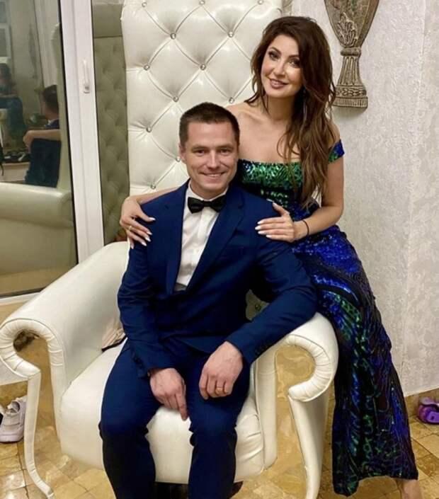Экс-супруга жениха Анастасии Макеевой написала на нее заявление