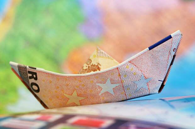 Курс евро поднялся выше 87 рублей