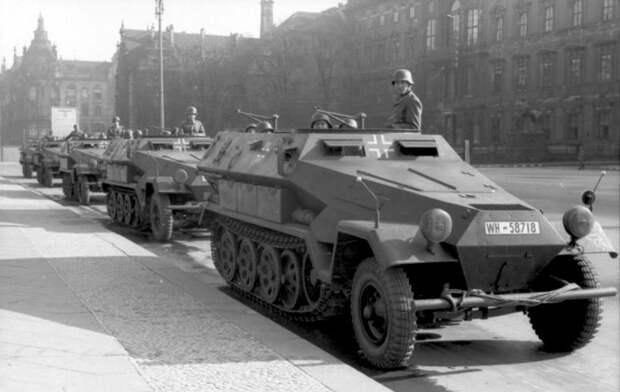 Немецкие бронетранспортеры «Ханомаг»: SdKfz 250 и SdKfz 251