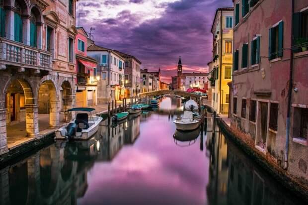 6 лучших городов для прогулок на лодках