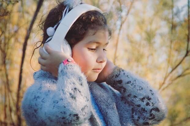 Стоит ли родителям запрещать детям слушать Моргенштерна: мнение семейного психолога