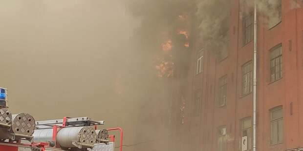 В МЧС опровергли смерть второго пожарного в «Невской мануфактуре»