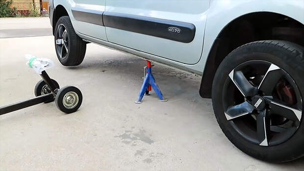 Подъемник для мгновенного поддомкрачивания автомобиля