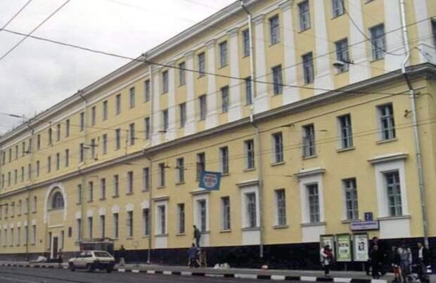 Военное училище на Красноказарменной улице отремонтируют