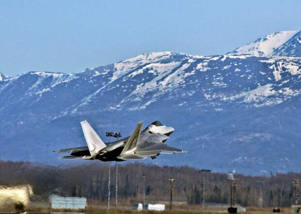 США перебрасывают часть авиации в штат Аляска